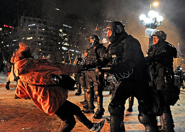 Seattle Police Use of Force to calm a riot.
